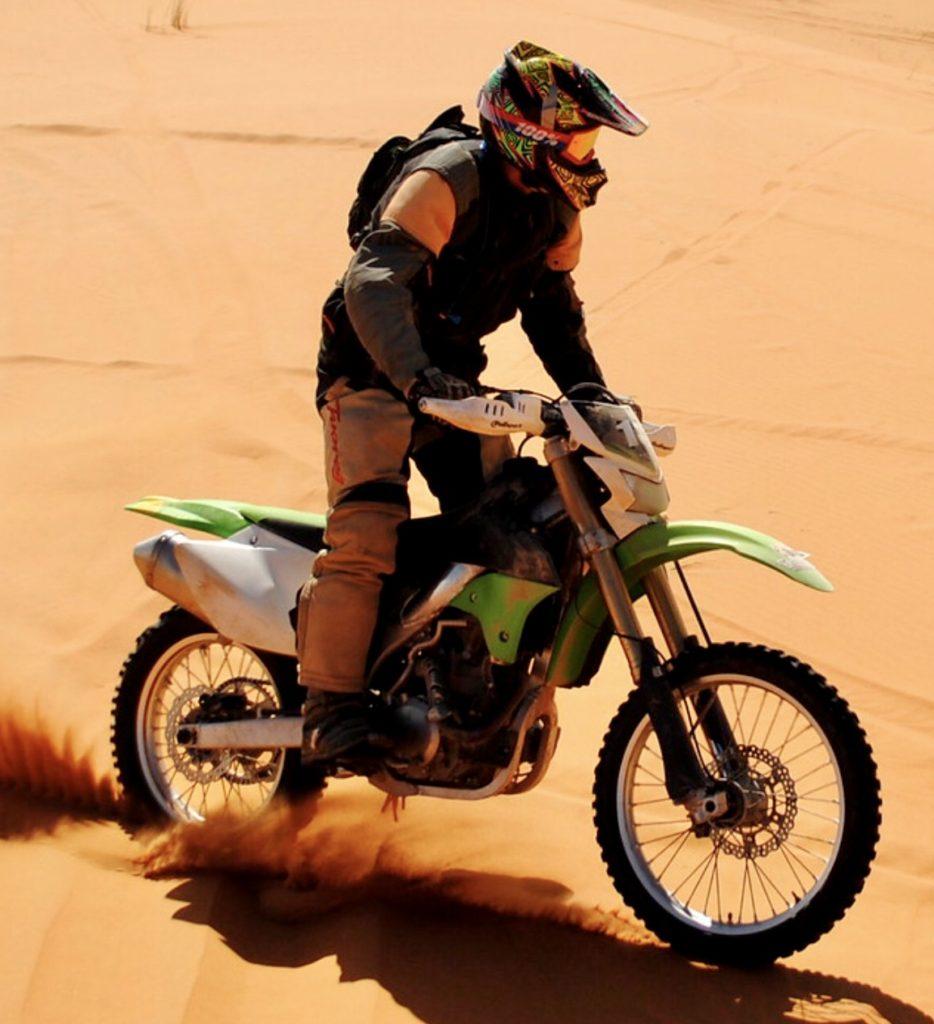 bob-barber-sahara-on-motorbike